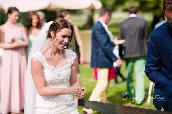 Hochzeitstradition Baumstammsägen