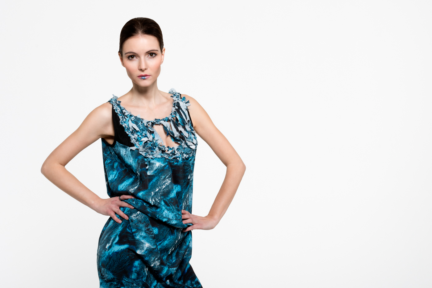 Dress: Carla Cixi Crocheting // Model: Jana Jecht // MUA: Diana Guti // Foto & Retouch: Sebastian Kreinau